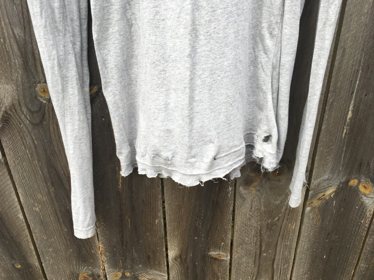 Distressed T shirt DIY