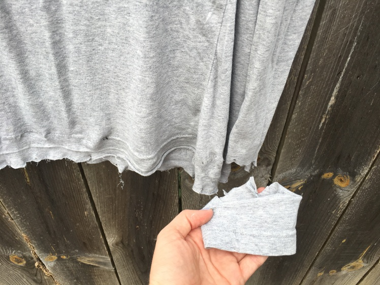 Distressed thrifted t-shirt DIY